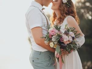 5 Inspirasi Dekorasi Pernikahan Bertema Vintage buat Kamu & Pasangan