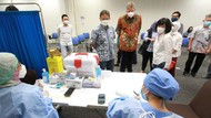 Momen Menkes Sambangi Sentra Vaksin di Kota Kasablanka