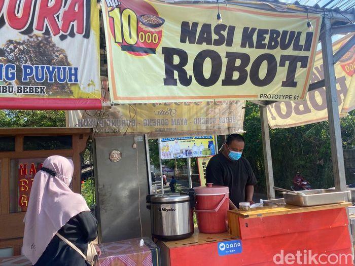Nasi Kebuli Robot: Sedapnya Nasi Kebuli Rp 10 Ribu Buatan Mantan Chef Hotel Bintang 5