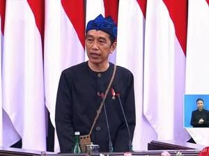 Gaya Presiden Jokowi Pakai Baju Adat Suku Baduy di Sidang Tahunan MPR