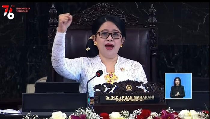 Ketua DPR Puan Maharani di rapat paripurna pembukaan masa sidang 2021-2022, Senin (16/8/2021).