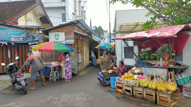 Gowes seli di Stasiun Purwosari, Solo