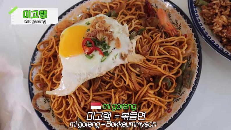 Idol K-Pop 'DRIPPIN' Cicip Makanan Indonesia