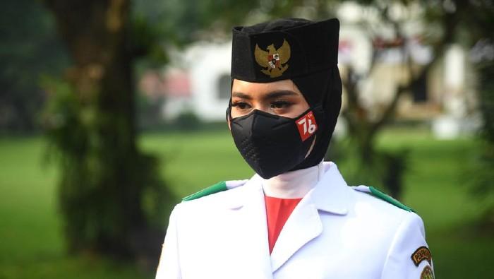 Upacara detik-detik proklamasi kemerdekaan Indonesia digelar di halaman Istana Merdeka. Adalah Tim Indonesia Tangguh yang bakal mengibarkan bendera Merah Putih.