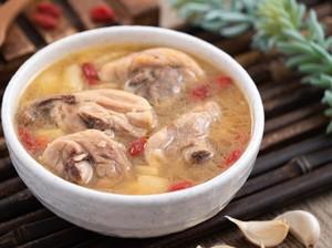 Resep Sup Ayam Bawang Taiwan yang Bening Gurih Kaldunya