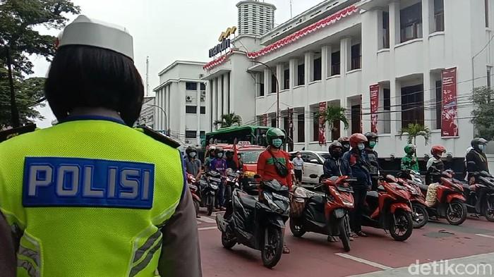 Suasana Saat Detik-detik Proklamasi di Jalan Balai Kota Medan (Ahmad Arfah/detikcom).