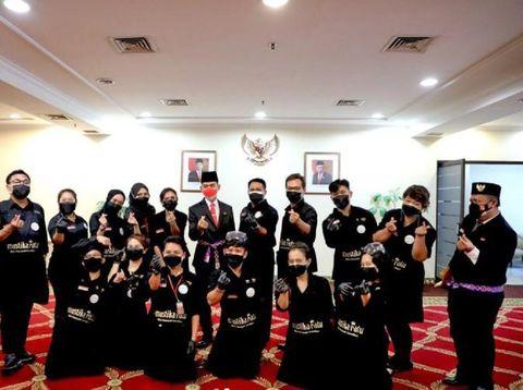 Tim MUA Paskibraka Nasional dari Mustika Ratu