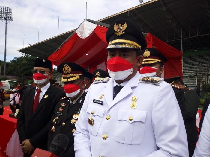 Walkot Bobby Nasution  Usai Upacara di Medan