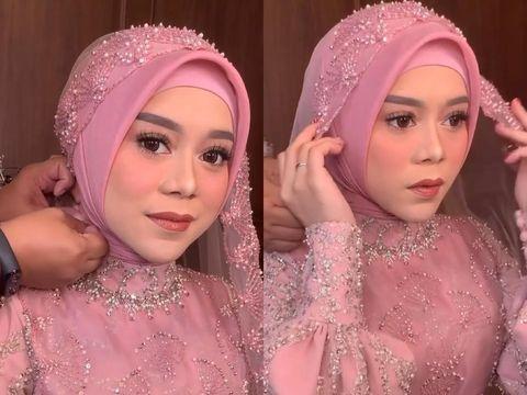 Gaya hijab Lesti Kejora pengajian dan siraman.