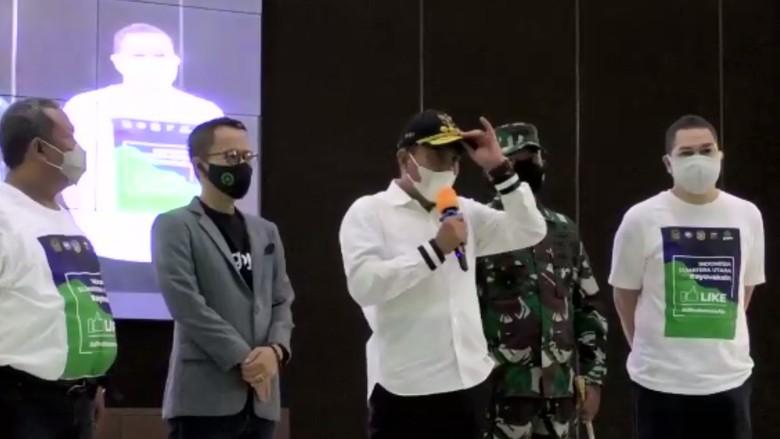 Gubernur Sumut (Gubsu) Edy Rahmayadi mengingatkan warga agar memakai masker jika beraktivitas. Dia menyarankan orang yang tidak memakai masker sebaiknya dijauhi atau malah dikucilkan.