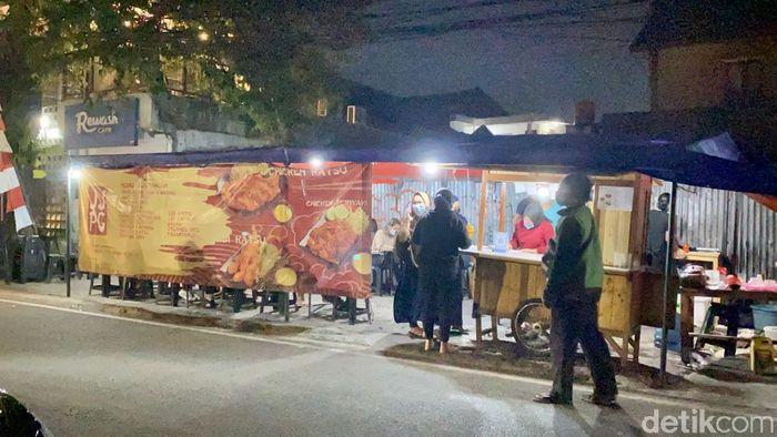 Jejepangan: Kriuk Gurih Chicken Katsu Jumbo dI Warung Tenda Jepang