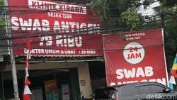 Harga tes PCR dan antigen di beberapa klinik di Jakarta resmi turun harga. Untuk PCR menjadi Rp 495 di Jawa -Bali dan Rp 525 untuk luar Jawa-Bali.