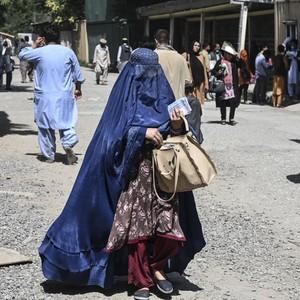 Timnas Bola Wanita Afghanistan Sukses Dievakuasi, Melarikan Diri Pakai Burqa