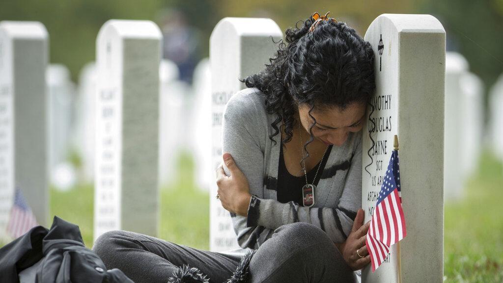 Ziarah ke Makam 2.448 Tentara AS Korban Perang Afghanistan