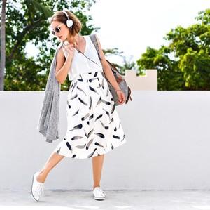Wajib Punya! 6 Aksesori Ini Bikin Outfit Minimalis Jadi Makin Stylish