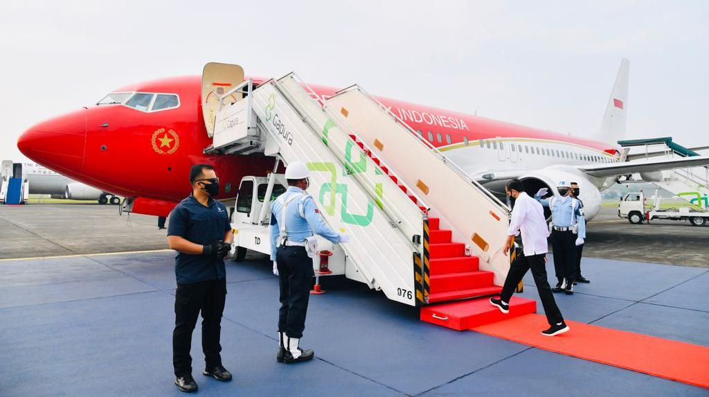Terbang ke Jatim, Jokowi Naik Pesawat Kepresidenan yang Sudah Dicat Merah