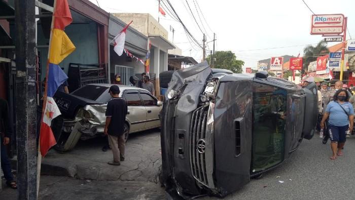 Mobil Fortuner tabrak mobil dan motor hingga warga di Jl Gorontalo, Tanjung Priok, Jakut (Dok.Satlantas Jakut)