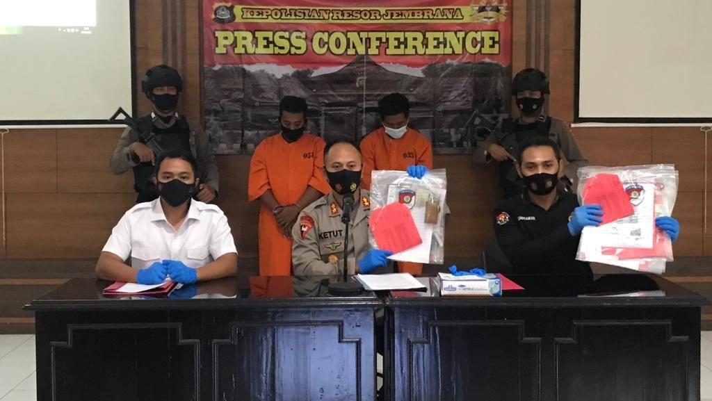 Palsukan Surat Vaksin untuk Penumpang, 2 Sopir Travel Ditangkap di Bali