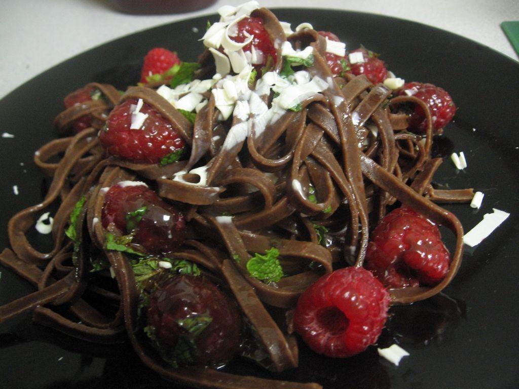 Sekte Terbaru Makan Spaghetti, Campur Susu Cokelat Hasilnya Malah Mirip Cacing