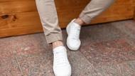 Tampil Keren dengan Mix & Match Sneakers Putih, Ini 5 Tipsnya