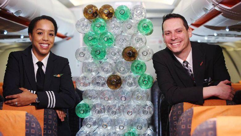 Unik, Maskapai Ini Punya Seragam dari Botol Plastik
