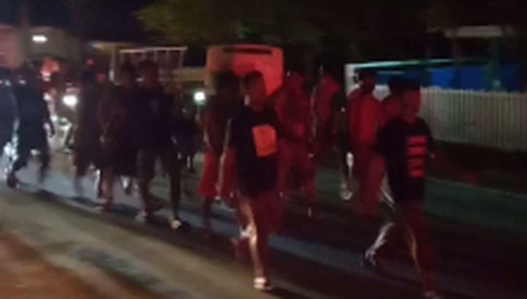 Warga Buol Jemput Paksa Jenazah Covid Beserta Keranjang RS