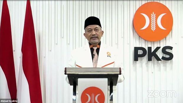 Presiden PKS Ahmad Syiakhu