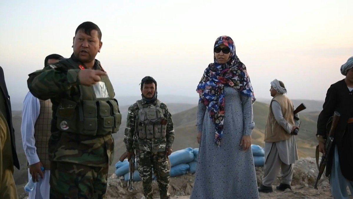 Salima Mazari, salah satu dari gubernur perempuan di Afghanistan dilaporkan ditangkap Taliban. Belum ada informasi terkait keberadaan Salima Mazari.