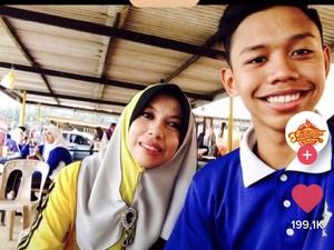 Viral Kisah Murid Menikahi Gurunya yang Lebih Tua 25 Tahun