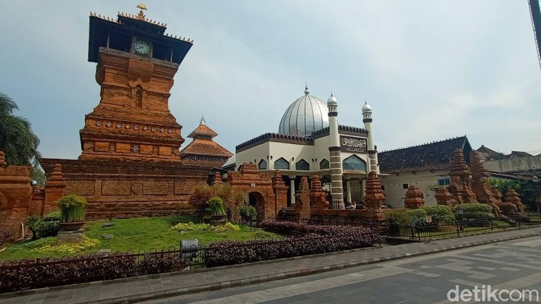 Kompleks Menara, Makam, Masjid Sunan Kudus. (Foto : Dian Utoro Aji/detikcom).