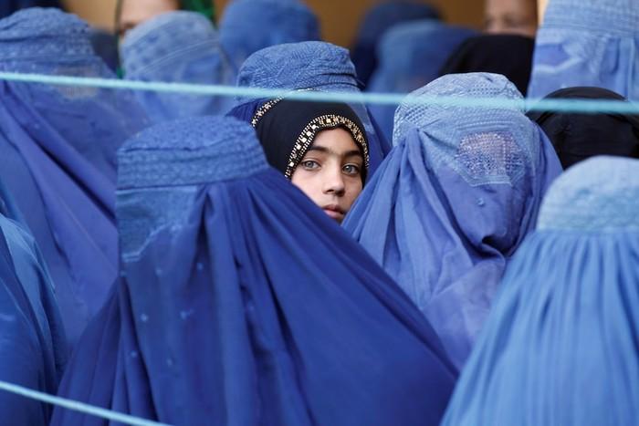 Taliban Ingin Melindungi Hak Perempuan di Afghanistan. Apa yang Mereka Maksudkan?