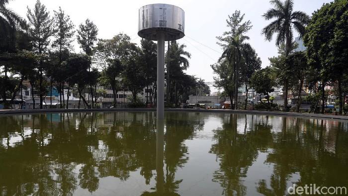 Pemprov DKI Jakarta melalui Dinas Pertamanan dan Hutan Kota DKI Jakarta, melakukan penataan dan refungsi Taman Martha Tiahahu yang berlokasi di kawasan Blok M, Kebayoran Baru, Jakarta Selatan.