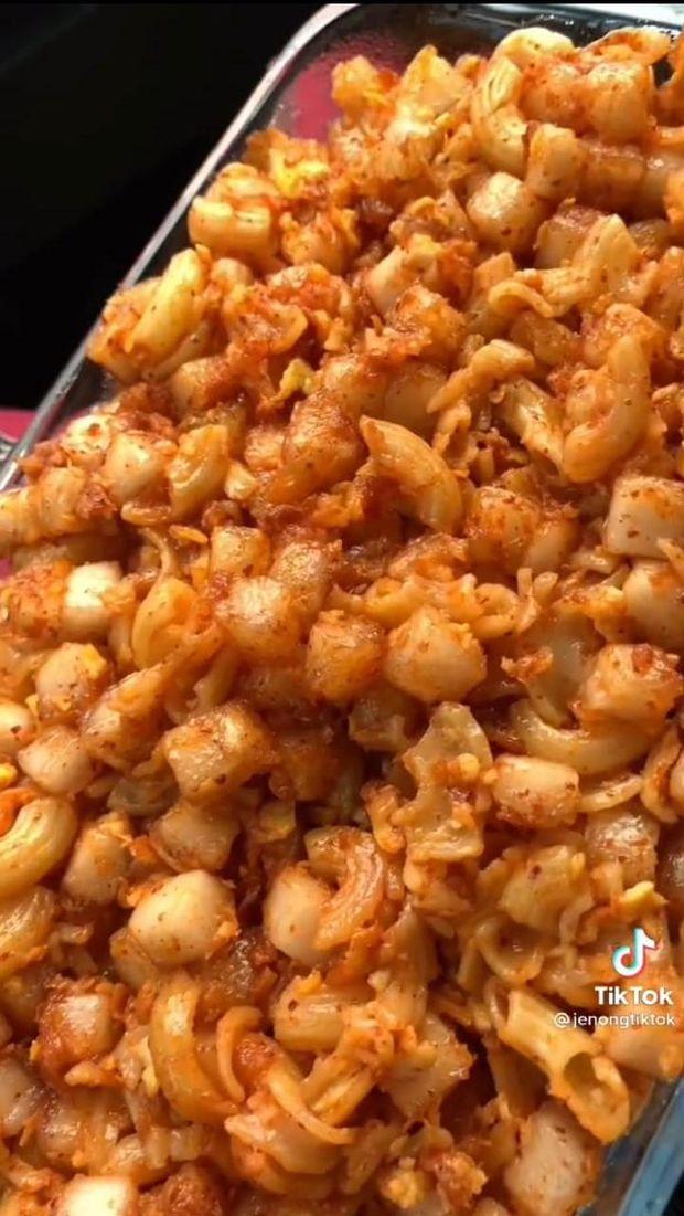 Viral! 4 Makanan Kaki Lima Ini Dibuat Ukuran Jumbo
