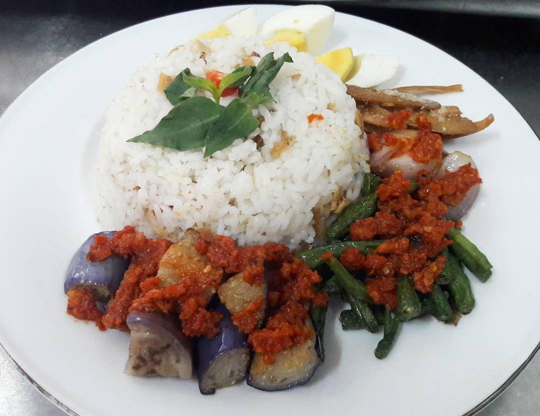 5 Nasi Rames Nusantara Ini Identik Sebagai Makanan Rakyat Kecil
