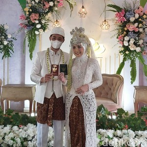 Cerita Pengantin yang Pernikahannya Terdampak PPKM, Rela Uang Gedung Hangus