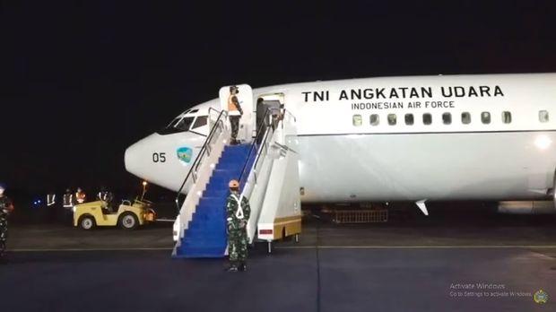 Pesawat TNI AU yang bawa WNI dari Afghanistan tiba di Halim Perdanakusuma