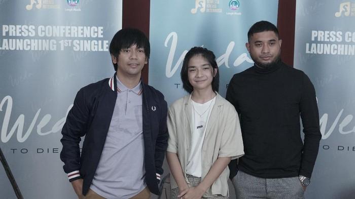 Rian DMASIV, Weda Nanda dan Rayen Pono