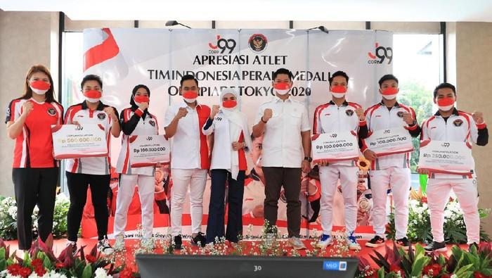 Crazy Rich Malang memberi bonus buat peraih medali Olimpiade Tokyo 2020.