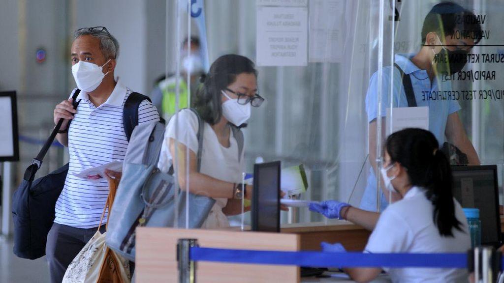 Banjir Kritikan soal Naik Pesawat Wajib PCR, Komisi IX Merespons
