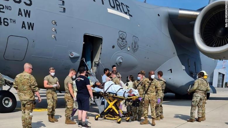 Warga yang dievakuasi dari Afghanistan melahirkan bayi di pesawat, Sabtu (21/8/2021).
