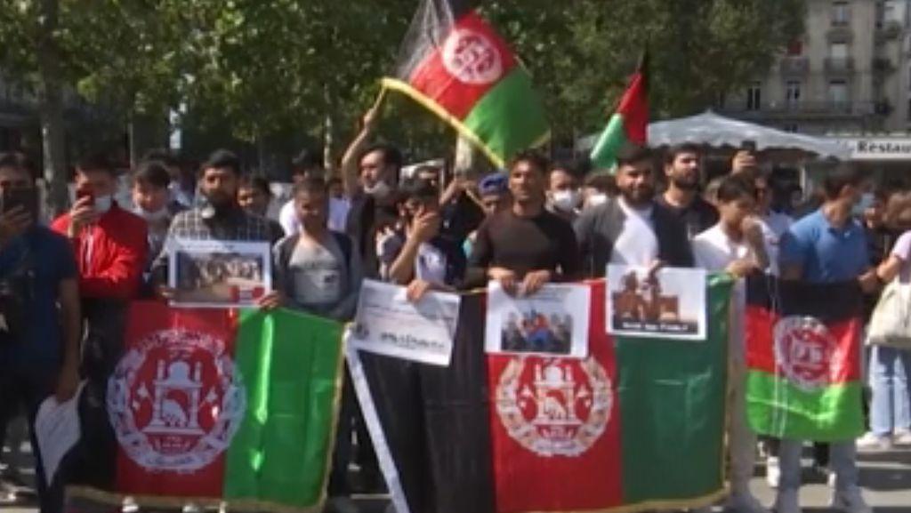 Ratusan Orang Demo di Paris untuk Dukung Pengungsi Afghanistan