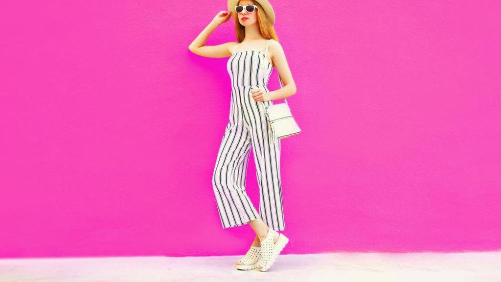 Dear Ladies, Ini 6 Tips Fashion biar Kamu Terlihat Tinggi Tanpa Heels