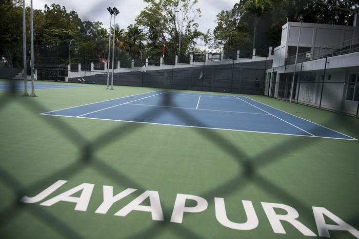 PON XX Papua akan digelar pada 2-15 Oktober 2021 mendatang. Lapangan tenis berstandar internasional ini pun disiapkan untuk jadi venue pertandingan. Ini fotonya