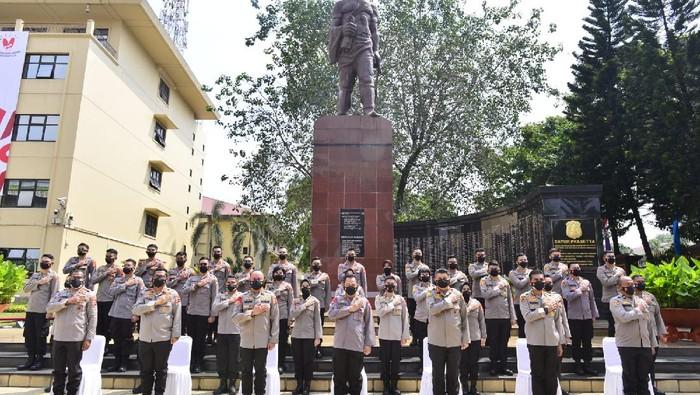 Kapolri Jenderal Listyo Sigit Prabowo memimpin pelepasan 37 perwira Polri penerima beasiswa LPDP