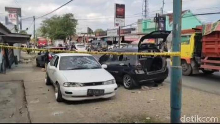 Markas LSM Gerakan Masyarakat Bawah Indonesia (GMBI) dirusak oknum ormas Pemuda Pancasila (PP) di Kebumen, Senin (23/8/2021).
