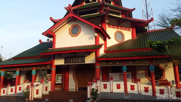 Nuansa budaya tionghoa mempercantik bangunan masjid