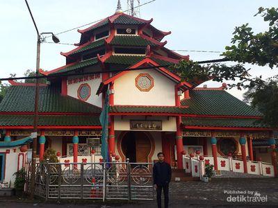 Masjid Cheng Hoo, Masjid Unik dengan Sentuhan Corak Tionghoa