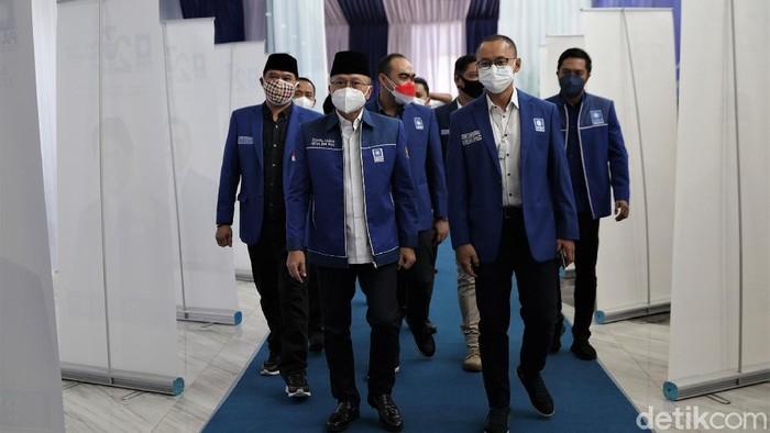 Sejumlah tokoh hadiri perayaan HUT ke-23 PAN. Presiden Joko Widodo pun turut hadir secara virtual mengucapkan selamat ulang tahun untuk PAN.