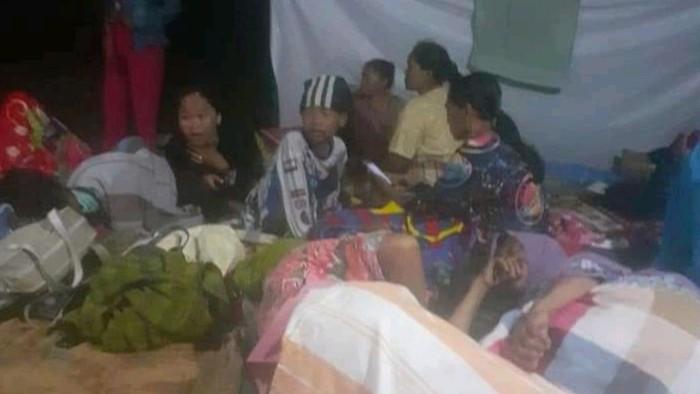 Puluhan emak-emak di Kampar, Riau nekat nginap di kebun sawit lantaran takut lahannya diambil