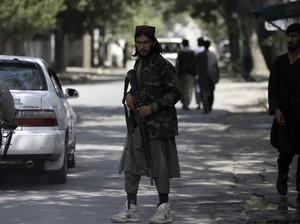 Cerita di Balik Sneakers Putih Andalan Pasukan Taliban saat Perang